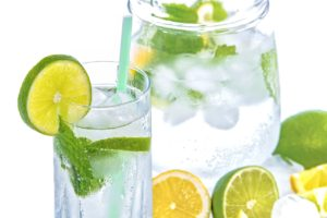water with lime and lemon slices